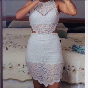 ⭐️Like new⭐️Bebe Raya Lace overlay cutout Dress